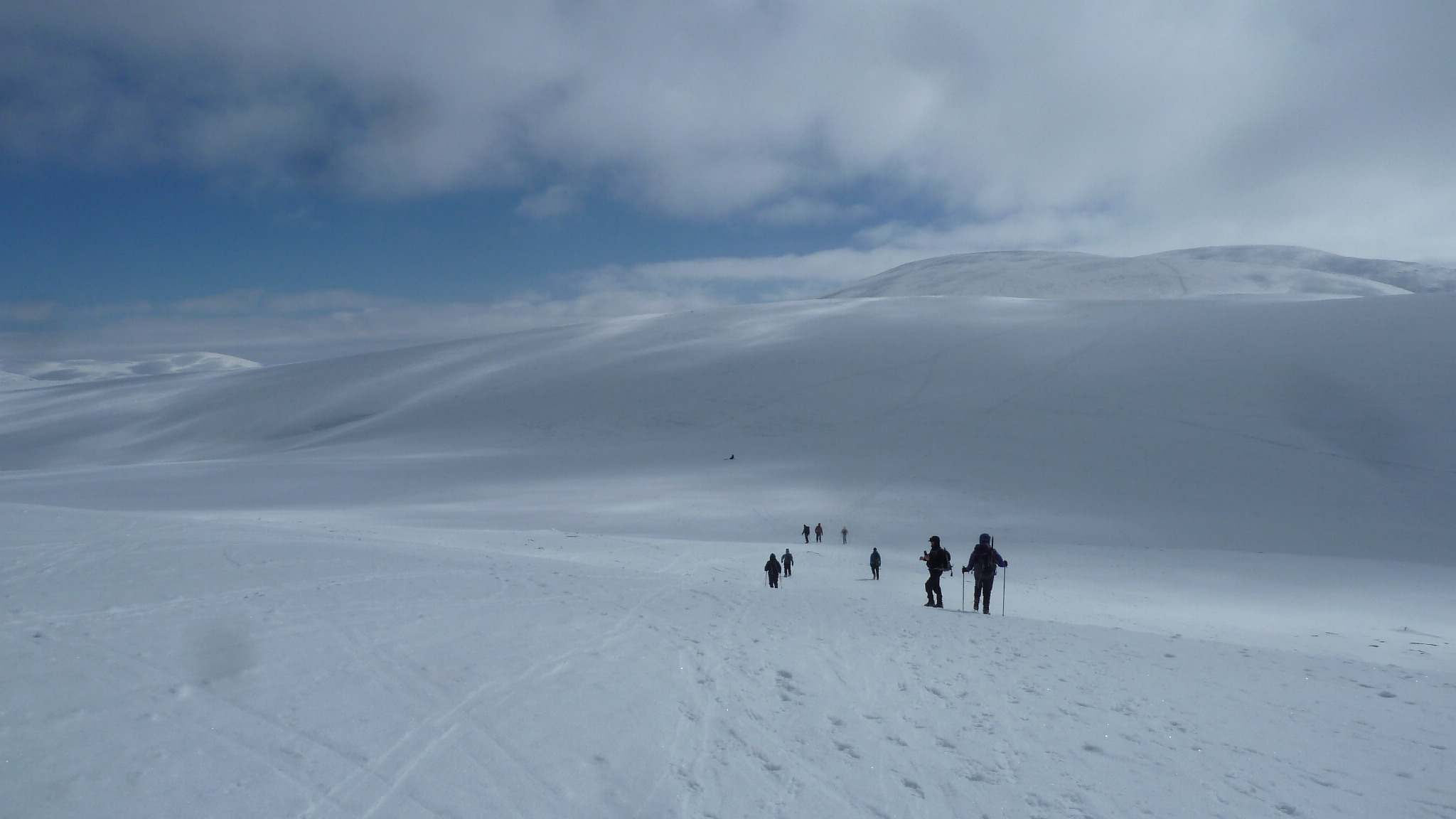 Crossing summit plateau to Ben Macdui