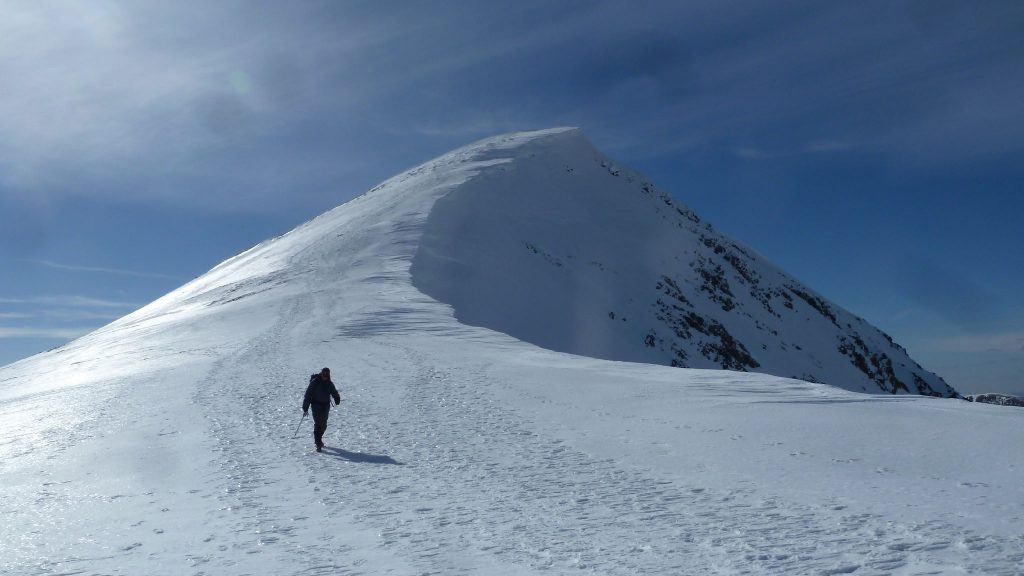 Descent of Stob Coire Easain